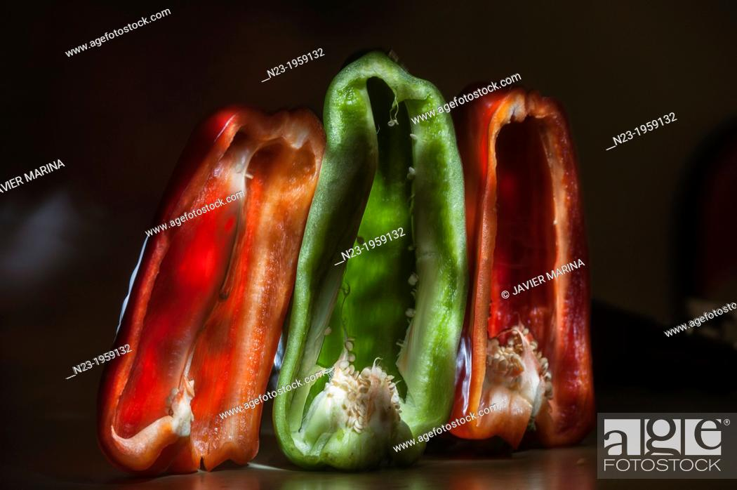 Stock Photo: GREEN AND RED PEPPERS, VALENCIA, SPAIN.
