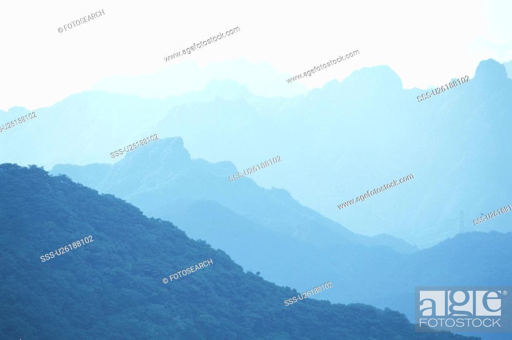 Stock Photo: Mountain Range.
