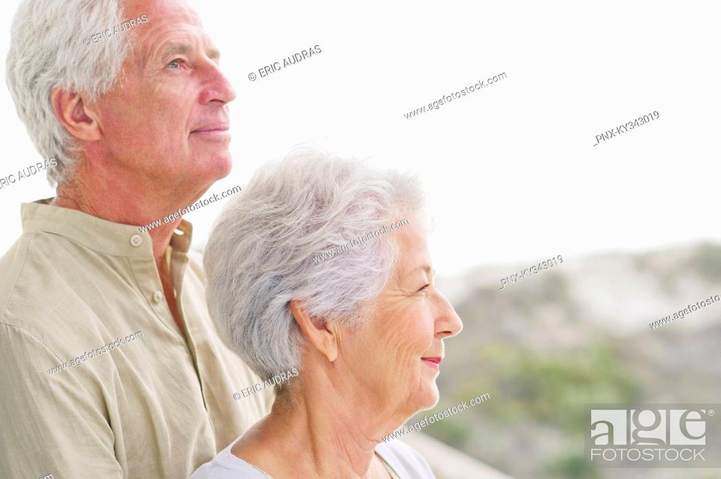 Photo de stock: Close-up of a senior couple at a balcony.