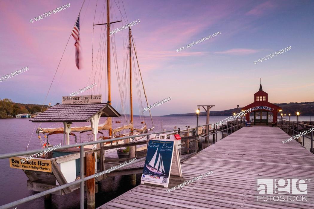 Stock Photo: USA, New York, Finger Lakes Region, Watkins Glen, Seneca Lake pier, dawn.