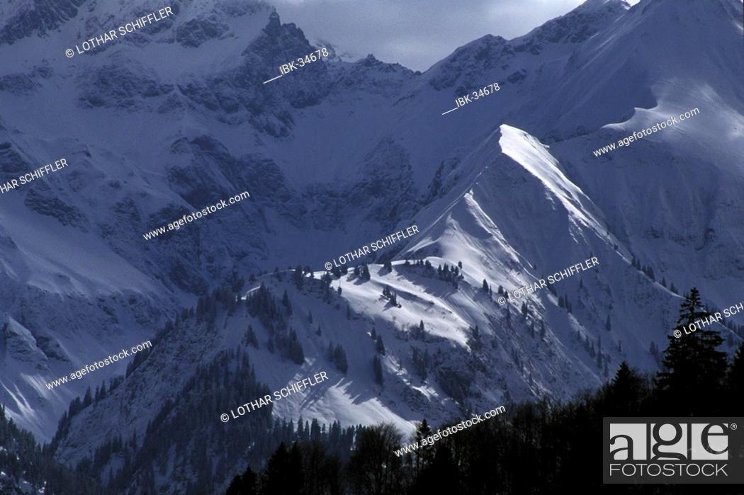 Stock Photo: Snow covered mountain landscape at Nebelhorn; near Oberstdorf, Allgäu, Bavaria, Germany.