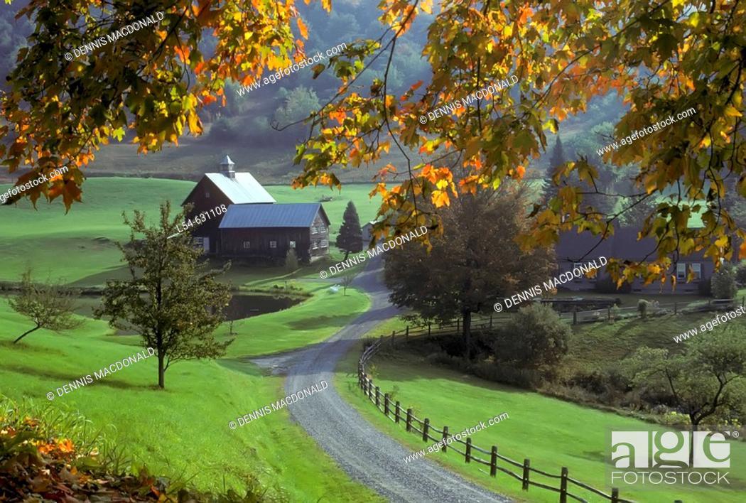 Stock Photo: Autum farm scene near Woodstock Vermont. USA.