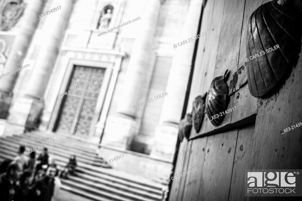 Stock Photo: Entrada a la Casa de las Conchas, Salamanca.