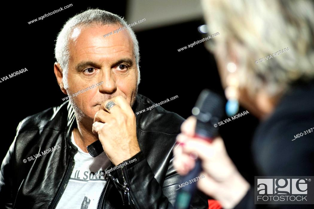 Imagen: Actor and comedian Giorgio Panariello being interviewed by Piera Detassis, director of Ciak, during the event Panorama d'Italia. Pisa, Italy.