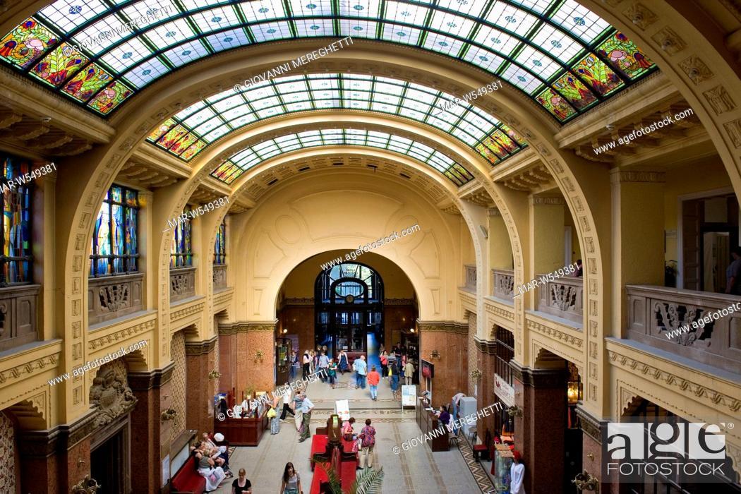 Bagni Termali Gellert : Ungheria budapest bagni termali gellert stock photo picture and