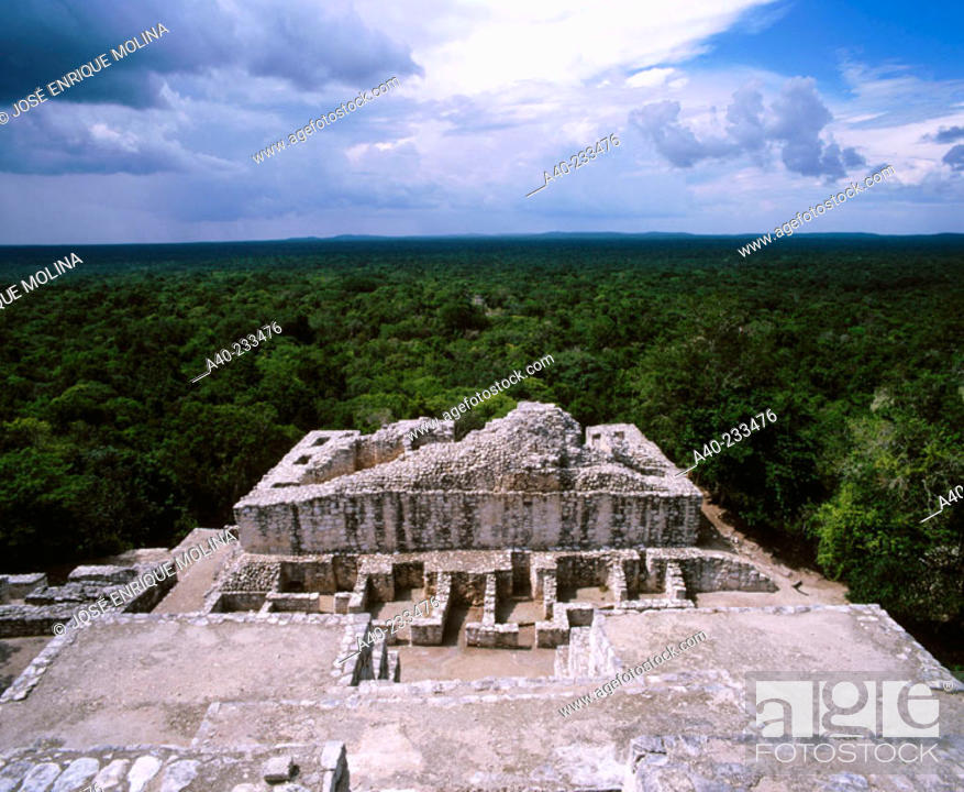 Stock Photo: Maya pyramid in 'Calakmul' Biosphere Reserve. Campeche. Mexico.