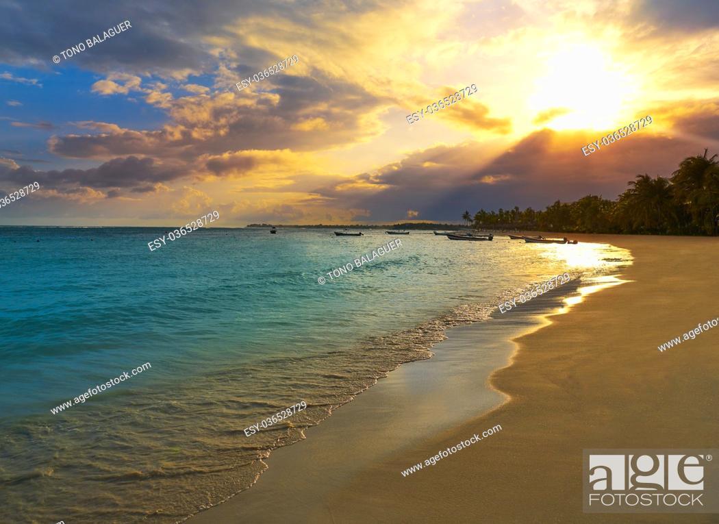 Stock Photo: Akumal beach sunset in Riviera Maya of mayan Mexico.
