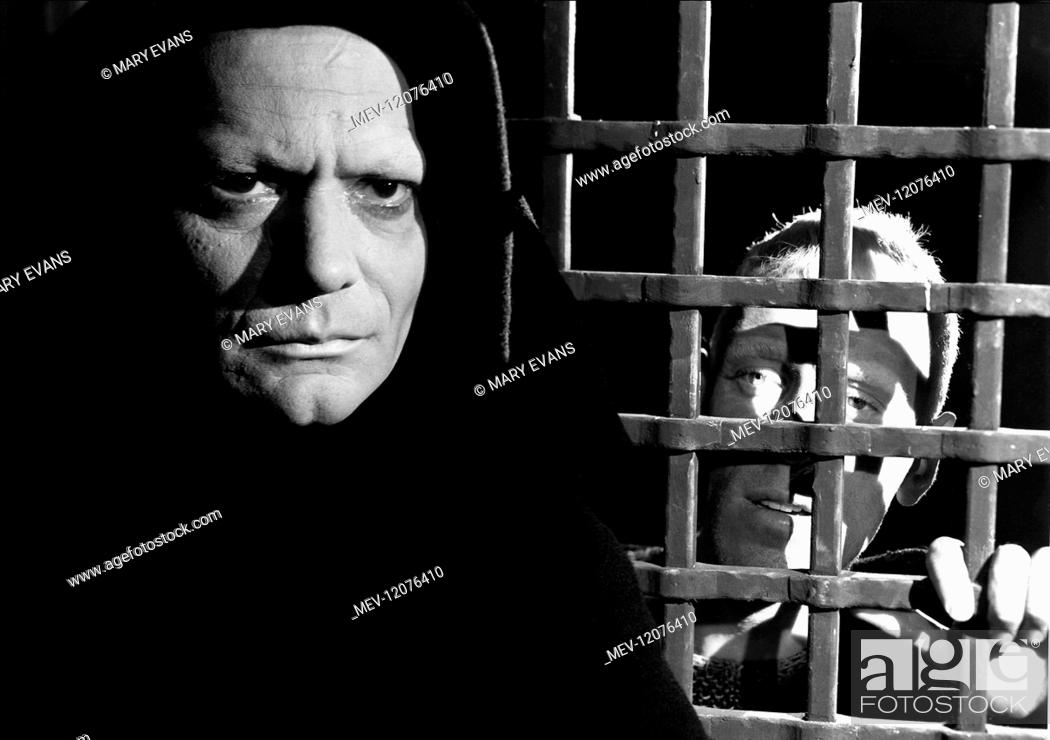 Bengt Ekerot Max Von Sydow Characters Death Antonius Block Film The Seventh Seal 1957 Stock Photo Picture And Rights Managed Image Pic Mev 12076410 Agefotostock