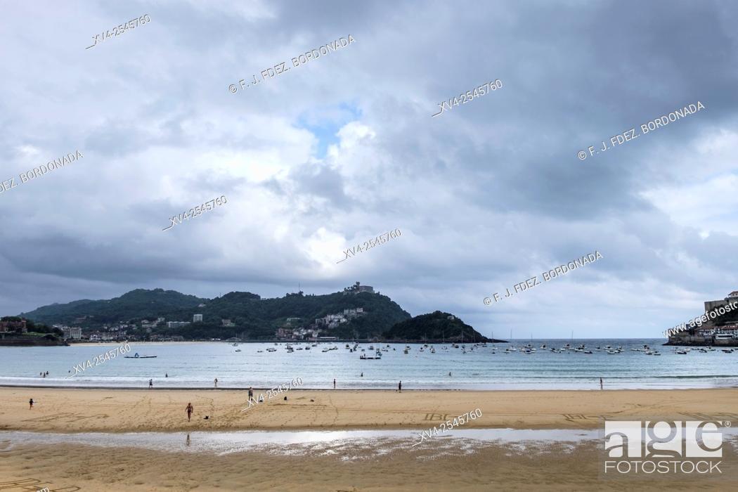 Stock Photo: La Concha Beach, San Sebastián, Gipuzkoa, basque Country, Spain.