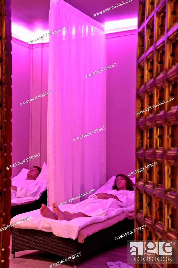 Clients In The Relaxation Room Spa Ibe By Monarquei Hotel Du