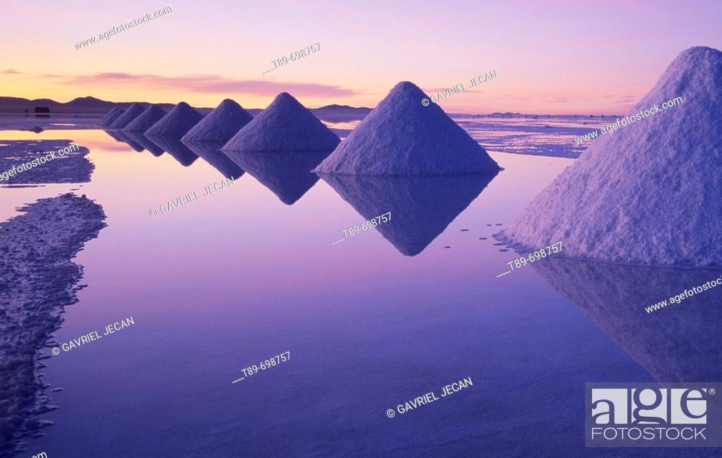 Stock Photo: Salar de Uyuni, Bolivia.