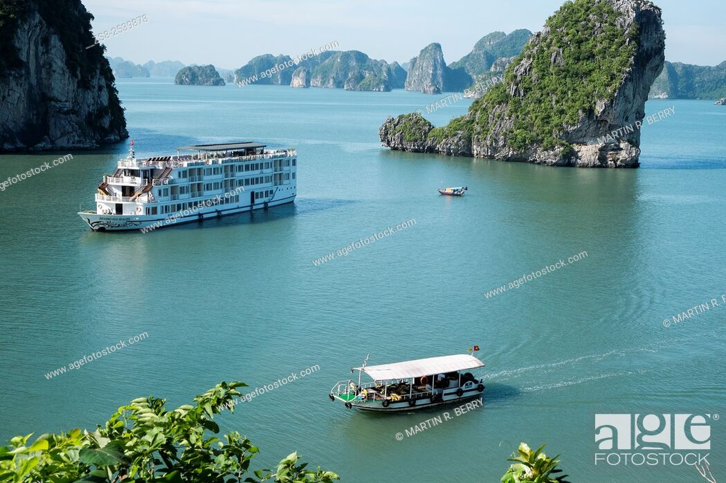 Stock Photo: Cruise ship in Cang Do area a part of Halong Bay world heritage location, Vietnam.