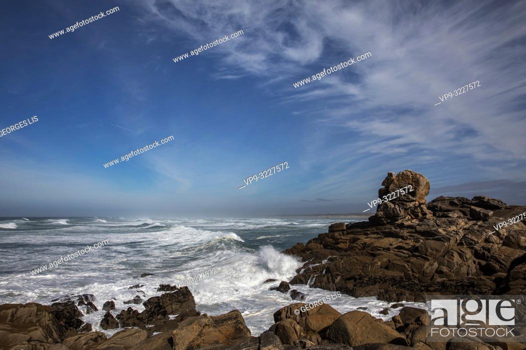 Imagen: waves and rocky shore, Pointe de La Torche, Atlantic Ocean, Plomeur, Finistere, Bretagne France.