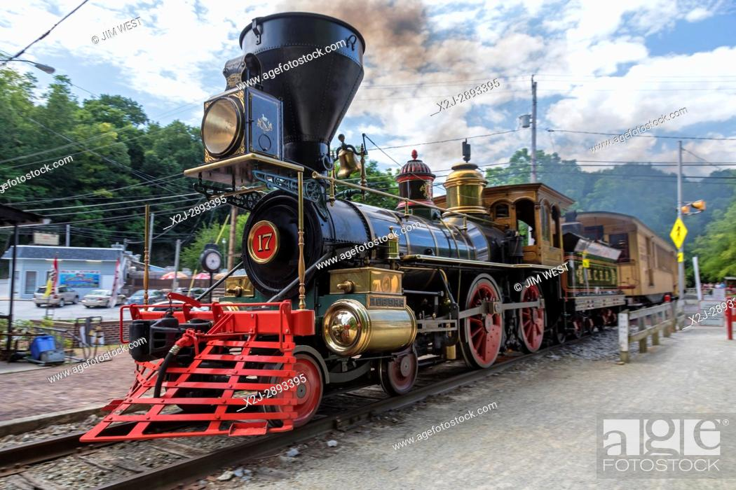 Stock Photo: Railroad, Pennsylvania - The nonprofit Steam Into History scenic trail operates on the tracks of the defunct Northern Central Railroad.