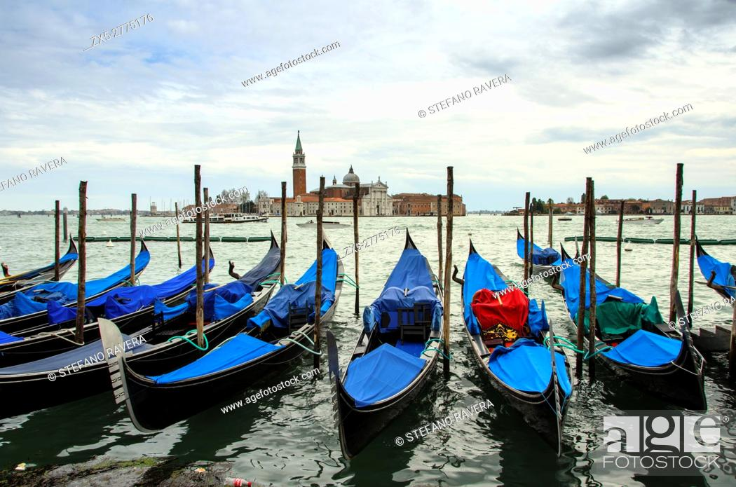 Imagen: View of S. Giorgio Maggiore island and the Grand Canal with gondolas from San Marco square - sestiere San Marco, Venice - Italy.