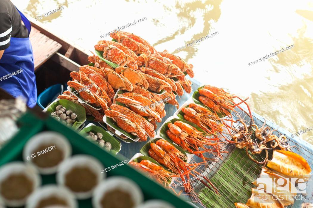 Stock Photo: Thai Lobsters and crayfish, Taling Chan Floating Market, Bangkok.