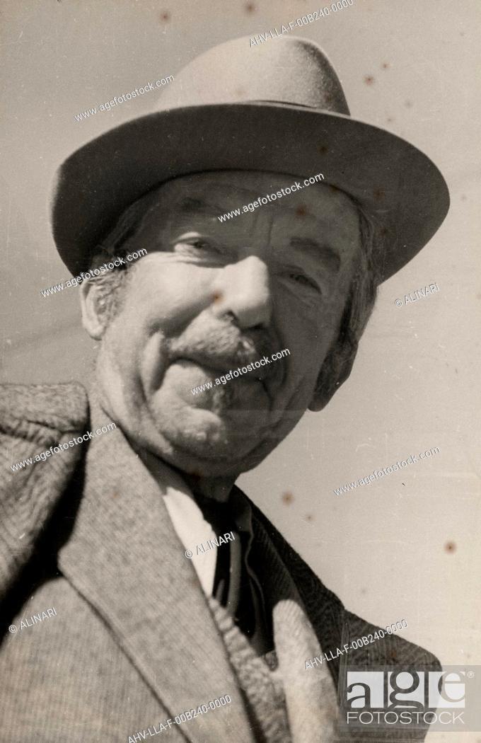 Imagen: Portrait of the Futurist painter Giacomo Balla, shot 1951.