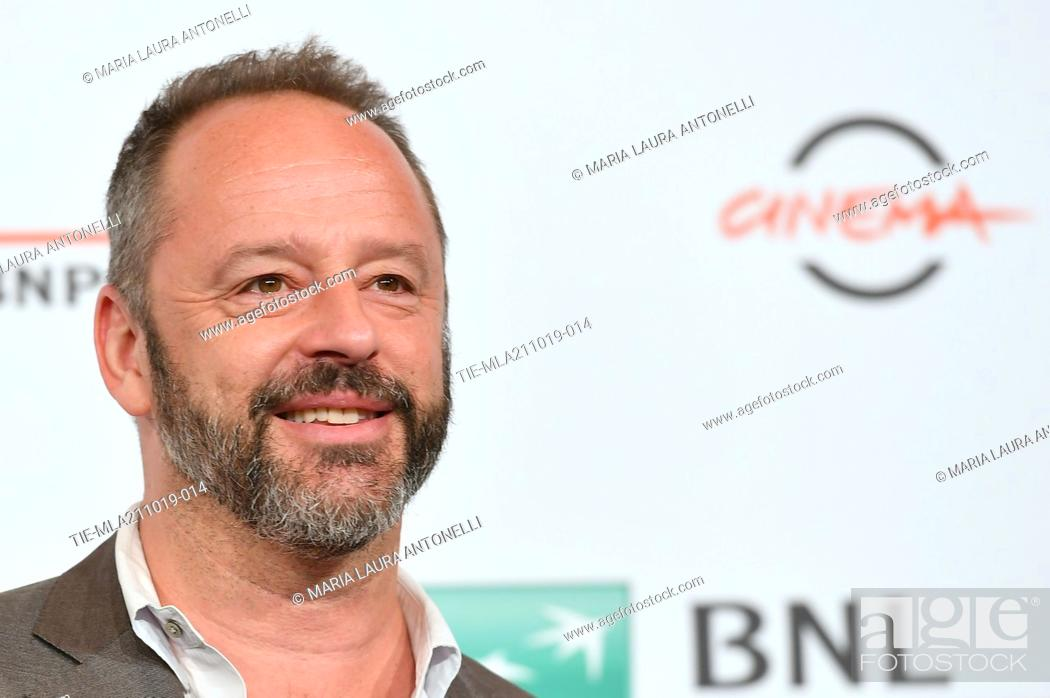 Imagen: Gil Bellows poses during the photocall for 'Drowing' at the 14th annual Rome Film Festival, in Rome, ITALY-20-10-2019.