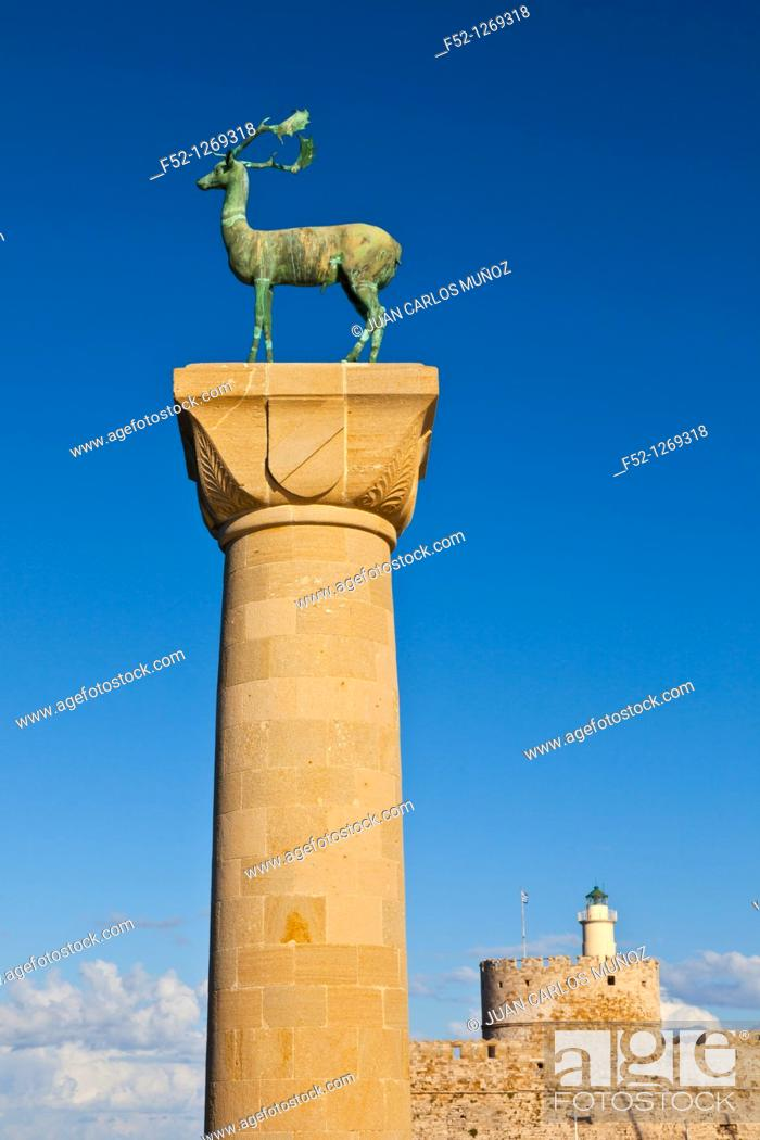 Stock Photo: Deer and Stag statues on bronze, Fort San Nicolas, Port of Mandráki, Rhodes Town, Rhodes Island, Dodecaneso, Greece, Mediterranean Sea.