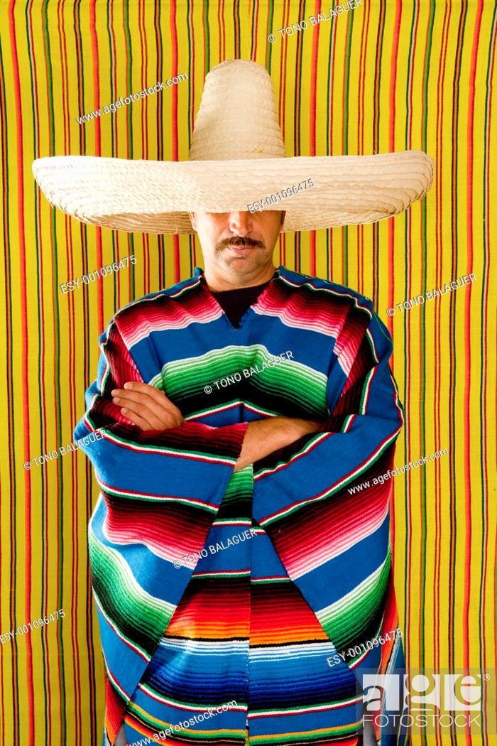 Photo de stock: Mexican man typical poncho sombrero serape portrait people from Mexico.