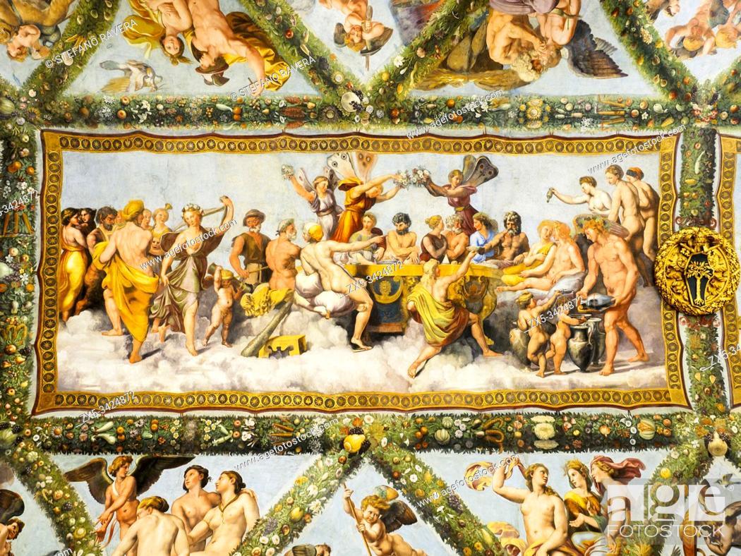 Photo de stock: La loggia di Amore e Psiche (Loggia of Cupid and Psyche) by Raphael and his workshop (1518 - Giulio Romano e Giovanni Francesco Penni) They depict the 'Fable of.