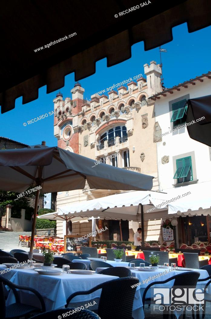 Stock Photo: Italy, Tuscany, Italy, Montecatini Terme, Mountain Village Montecatini Alto, Restaurant.
