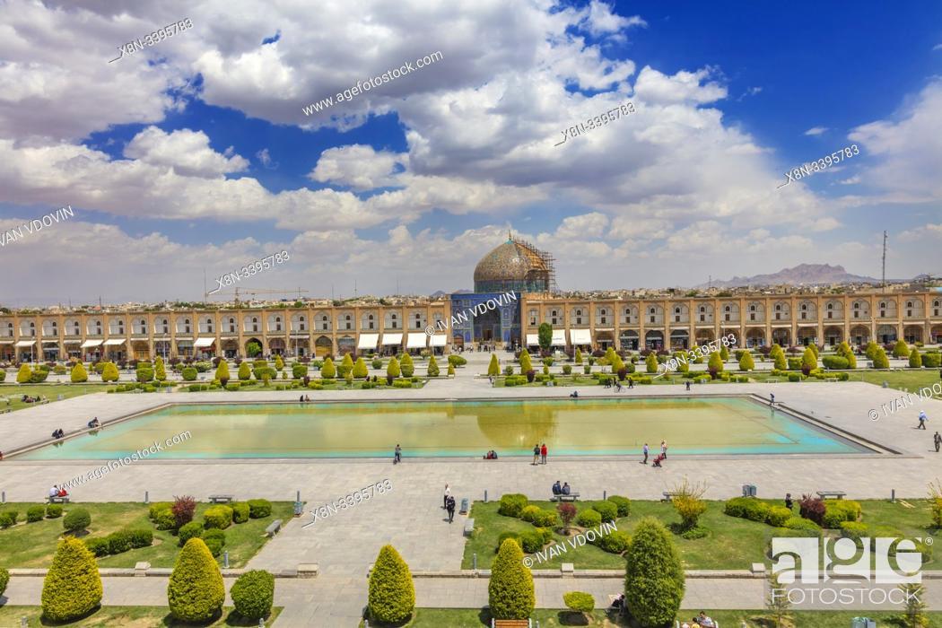 Stock Photo: Sheikh Lotfollah Mosque, Naghsh-e Jahan Square, Isfahan, Isfahan Province, Iran.