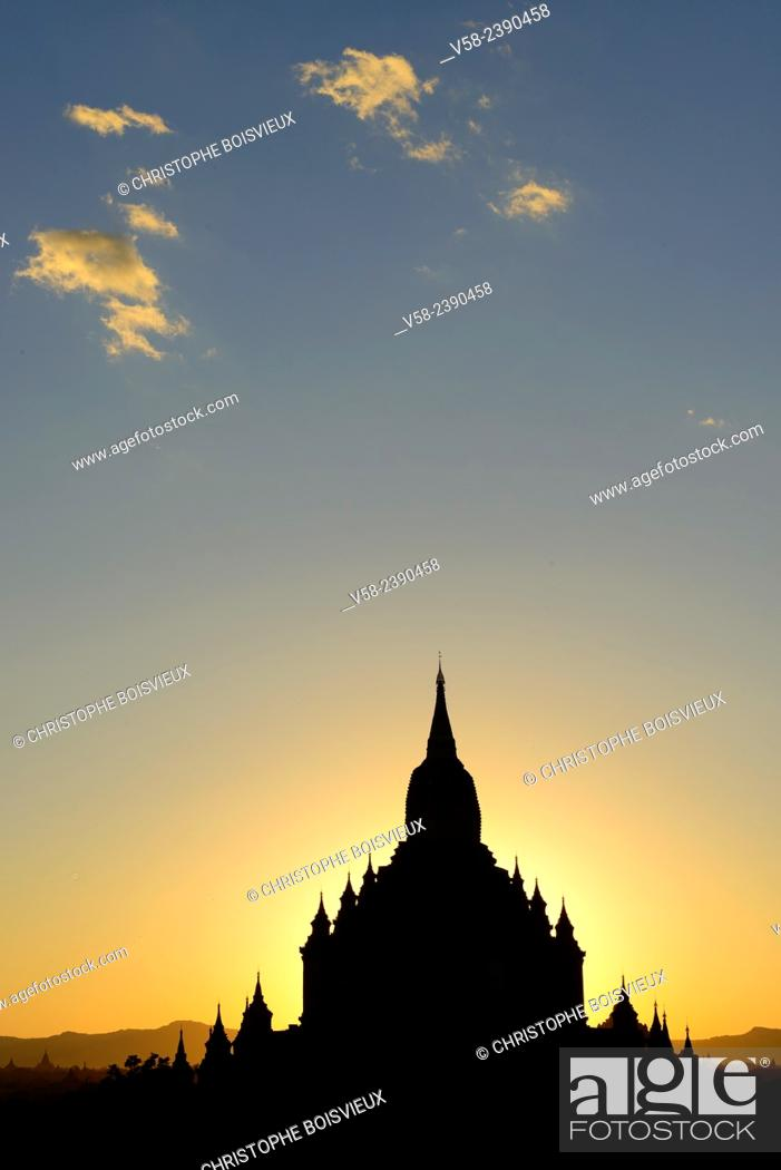 Stock Photo: Myanmar, Bagan, Sulamani pagoda at sunset.