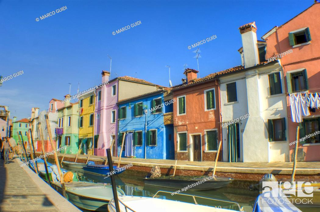Imagen: View of the small and colorful village of Burano near Venice.