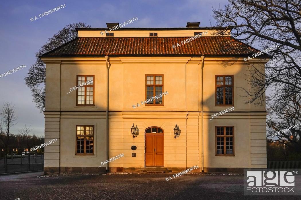 Imagen: Stockholm, Sweden April 1, 2020 The grounds of the Royal Palace Drottningholm.