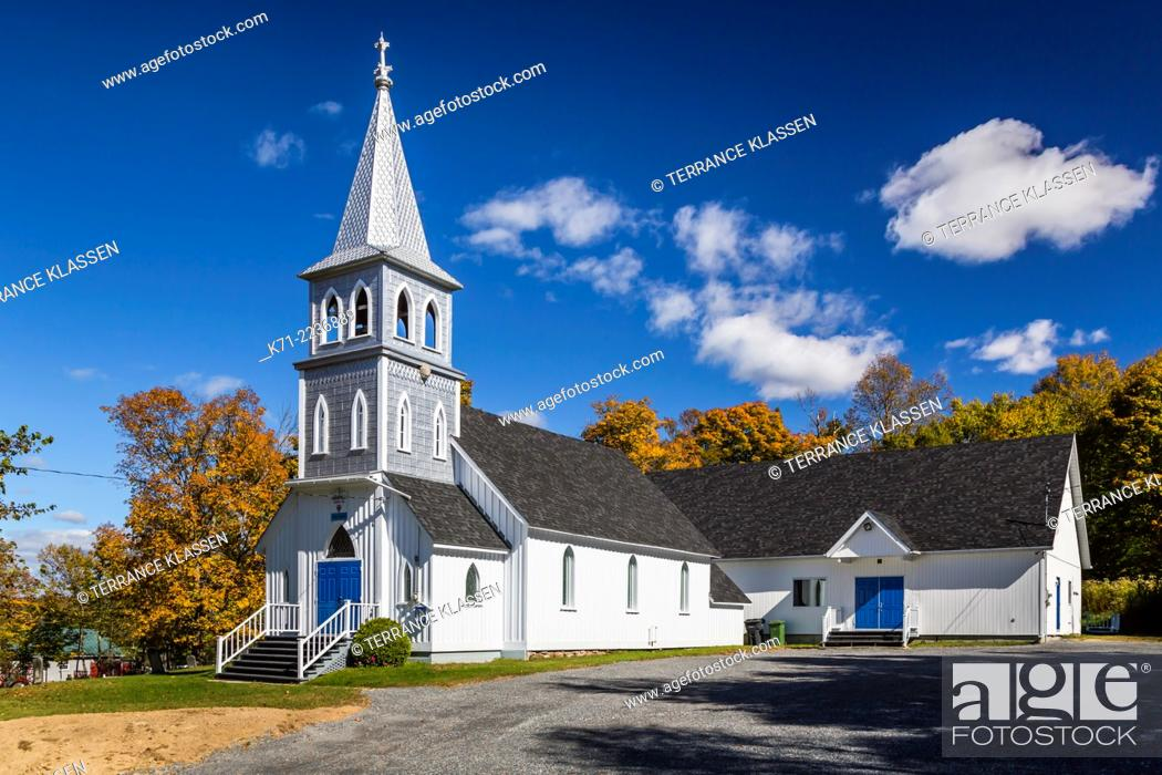 Imagen: The Grace Anglican Church at Arundel, Quebec, Canada.