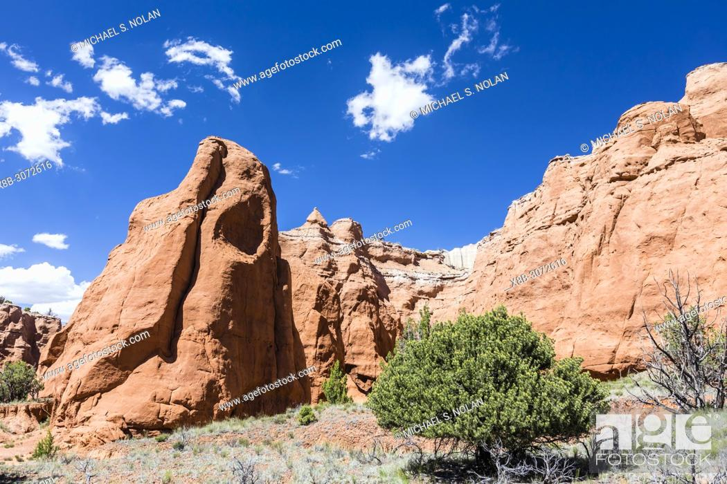 Stock Photo: Red rock sandstone formations on the Grand Parade Trail, Kodachrome Basin State Park, Utah, USA.