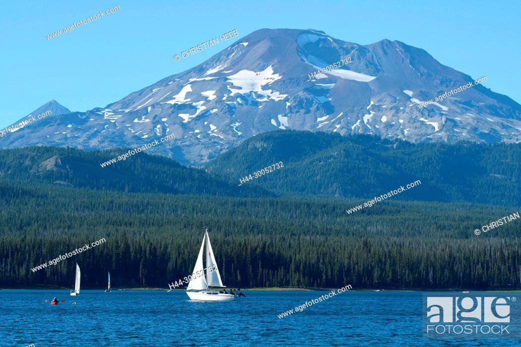 Stock Photo: North America, America, USA, American, Pacific Northwest, Oregon, Deschutes National Forest, Cascade Lakes Highway, Elk lake and South Sister,.