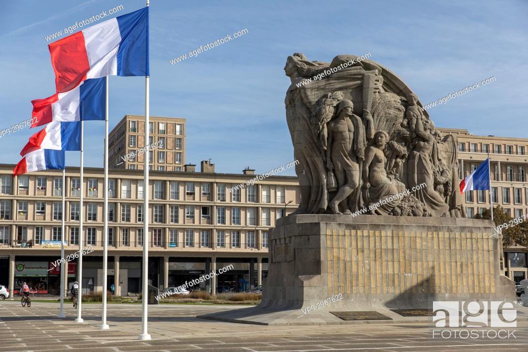 Imagen: War memorial. Place General de Gaulle, Le Havre, Normandy, France.