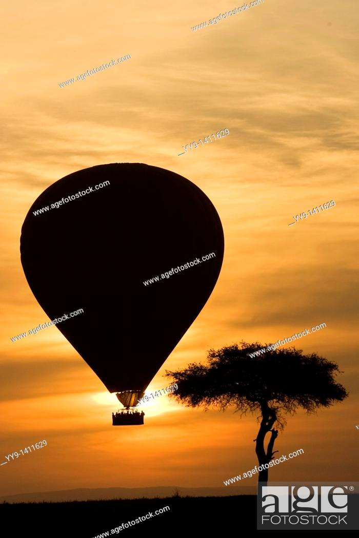 Stock Photo: Hot Air Balloon over the Masai Mara National Reserve, Kenya.