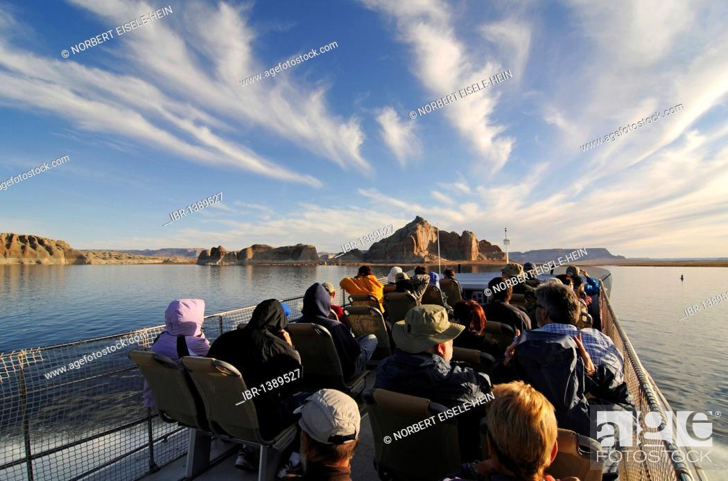 Stock Photo: Tour boat, Lake Powell, Glen Canyon, Arizona, United States.