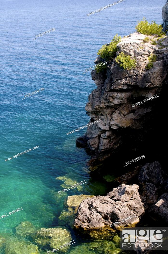 Stock Photo: The Grotto at Bruce Peninsula National Park, Ontario Canada.