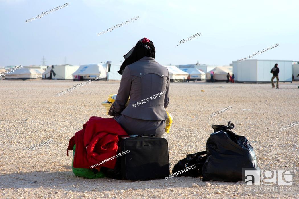 Stock Photo: Al Za'atari, Al Mafraq region, Jordan, Middle-East. Every single day new people and families arrive in the UNHCR refugee camp Al Za'atari.
