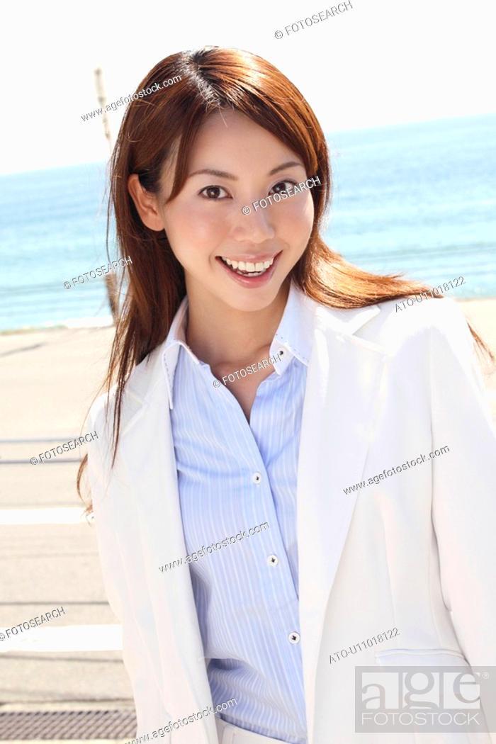 Imagen: Portrait of Japanese office lady.