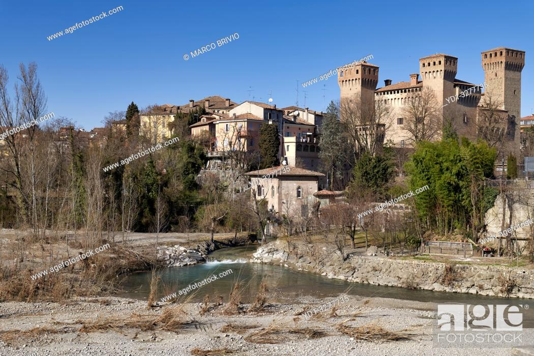 Imagen: Vignola, Modena, Emilia Romagna, Italy. The Castle (Rocca), built in the Carolingian era but known from 1178; it was turned into a patrician residence by the.