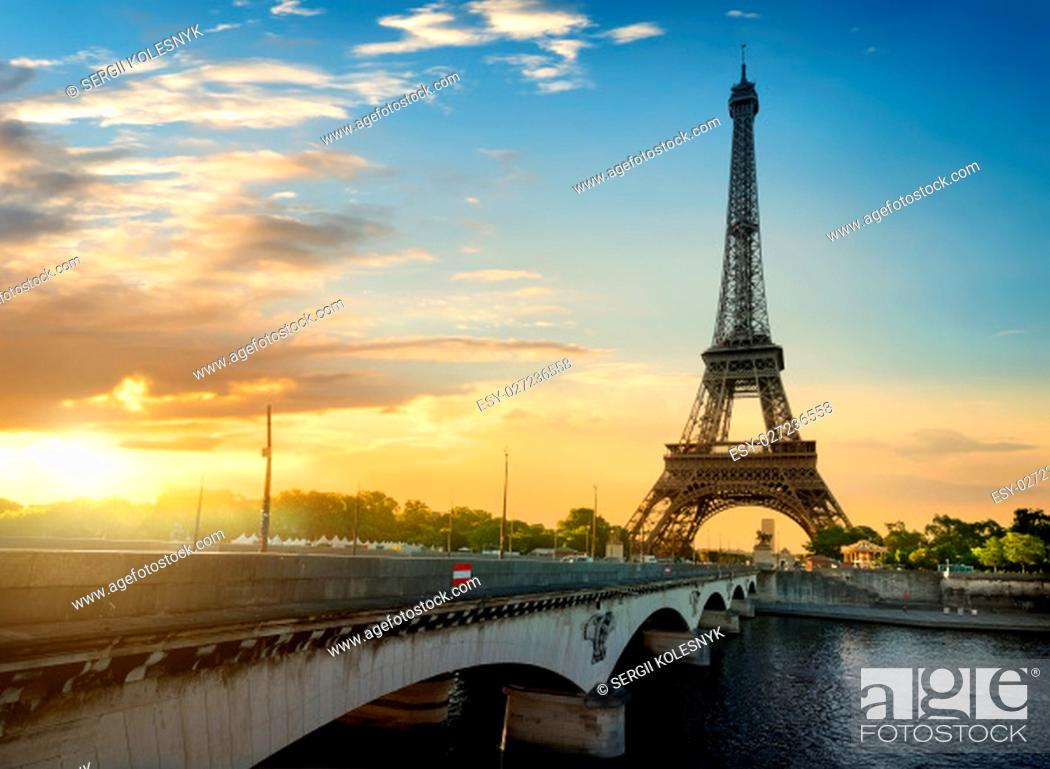 Stock Photo: Paris, the beautiful view of the Eiffel Tower on a summer day.