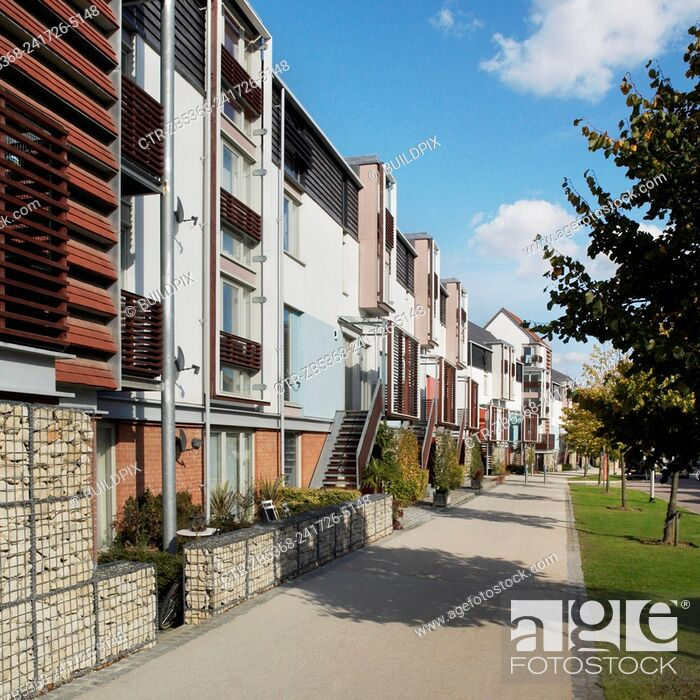 Imagen: Contemporary housing on the Newhall development, Harlow, Essex, UK.