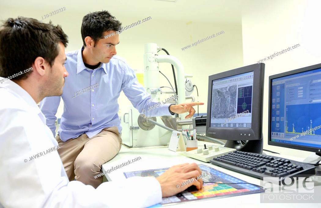 Stock Photo: Researchers. SEM. Scanning Electronic Microscope. Technological Services to Industry. Tecnalia Research & Innovation, Donostia, San Sebastian, Gipuzkoa.