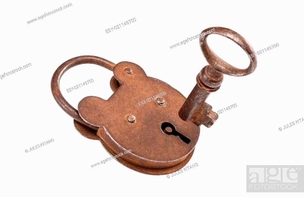 Photo de stock: Padlock and key (with clipping path).