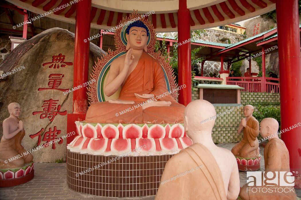 Imagen: Statue, kek lok si buddha temple, penang, malaysia, asia.