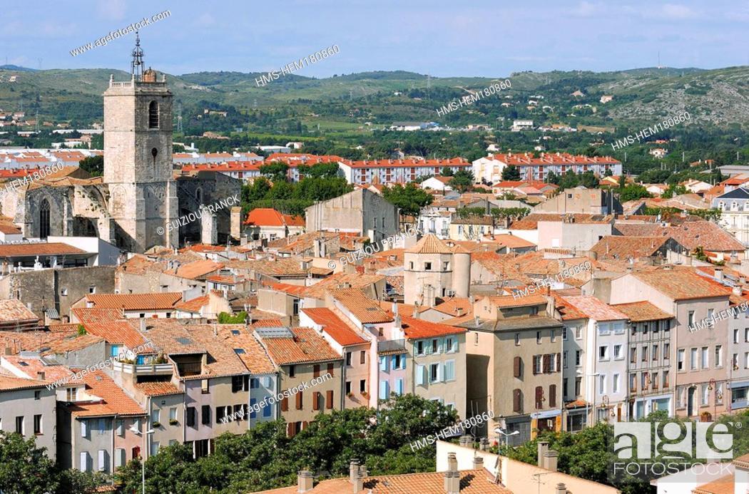 Photo de stock: France, Aude, Narbonne, view from Gilles Aycelin donjon, Saint Paul basilica.