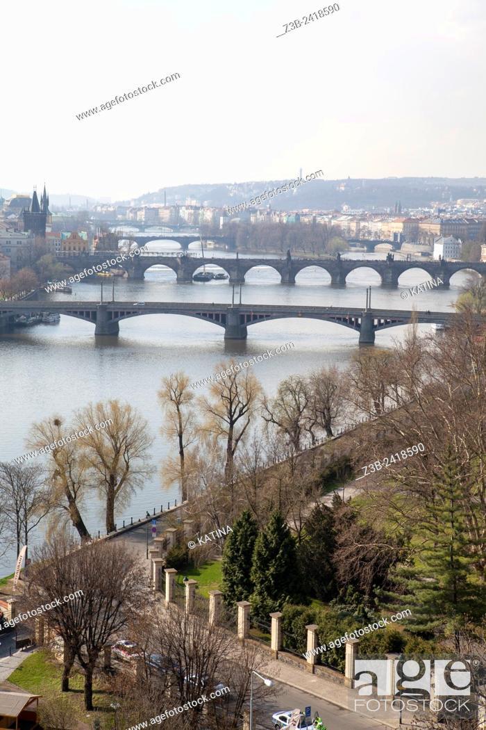 Imagen: Bird's eye view from Letna Park of Prague and its bridges over the Vltava River, Prague, Czech Republic, Europe.