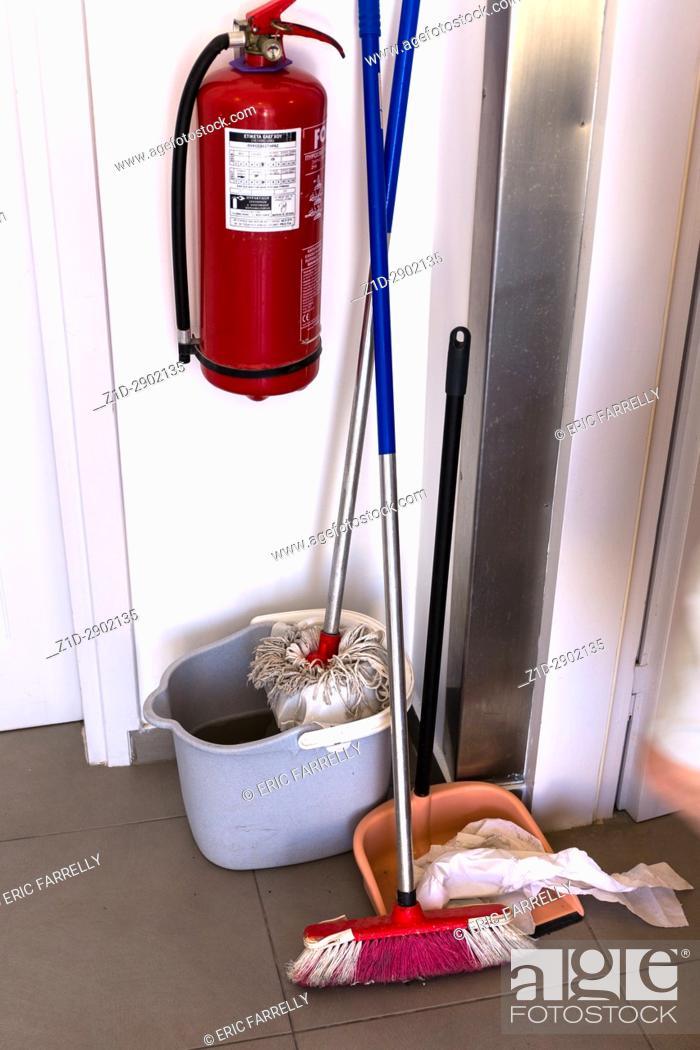 Imagen: Cleaners equipment. Greece.