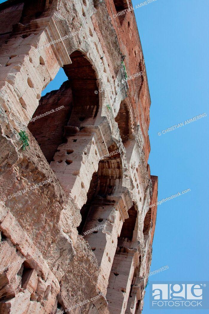 Photo de stock: Détail, Voyage, Ville, Tourisme, Architecture, Italie, Lieu Touristique, Italien, Capitole, Colisée, Touristique, Rome, Rome Antique