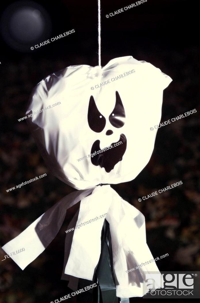 Imagen: Halloween Festival Decoration, Ste-Anne des Plaines, Quebec.